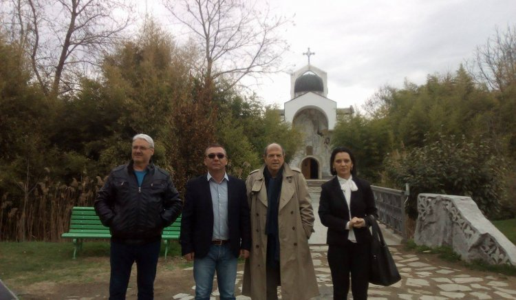 Тома Томов посети храма на Ванга