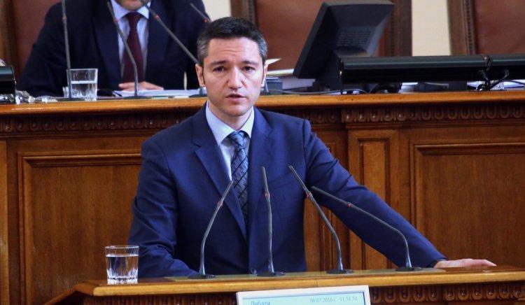 Кристиан Вигенин към Теменужка Петкова: Излезте от кабинета си и идете при хората!