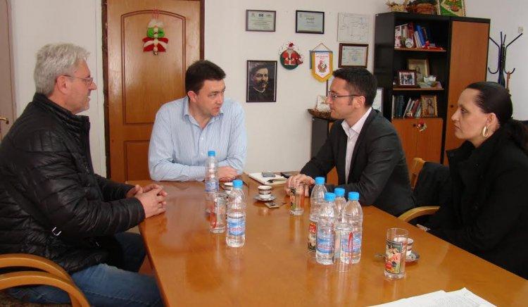 Кристиан Вигенин в Петрич: Рисковете от пренасочване на бежанския поток през България остават